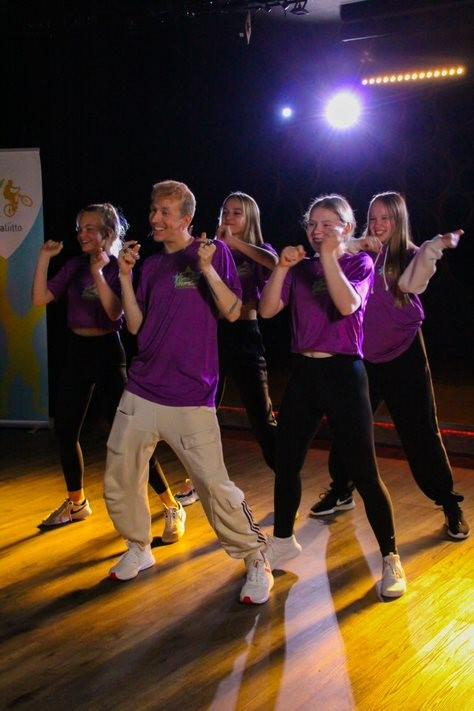 Power Mover tanssitiimi